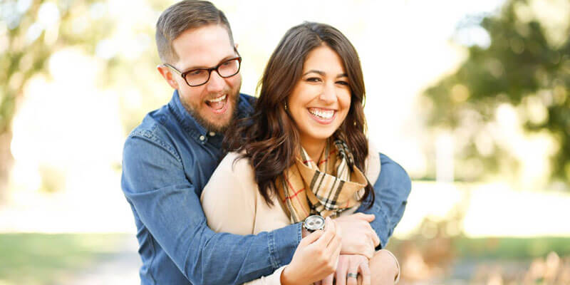 Happy couple approved for an unsecured personal loan
